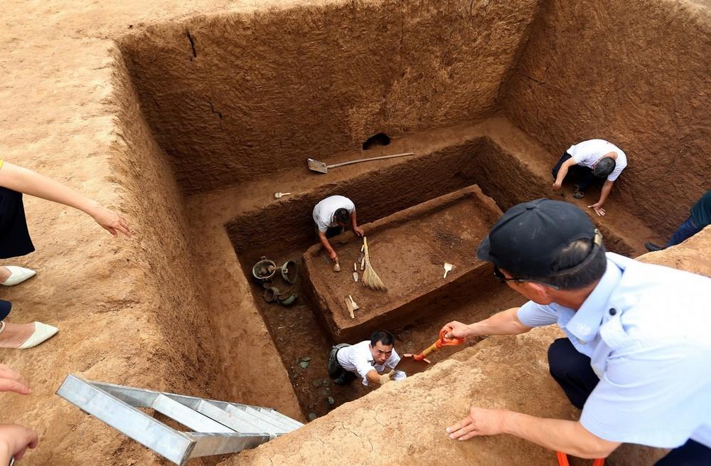 Загадочная тысячелетняя гробница в Китае