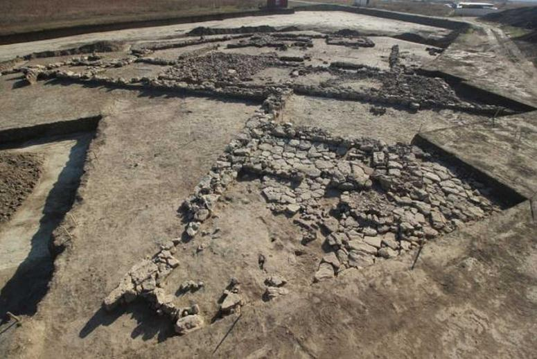 В Китае обнаружен участок добычи бирюзы, датируемый 2200 годами